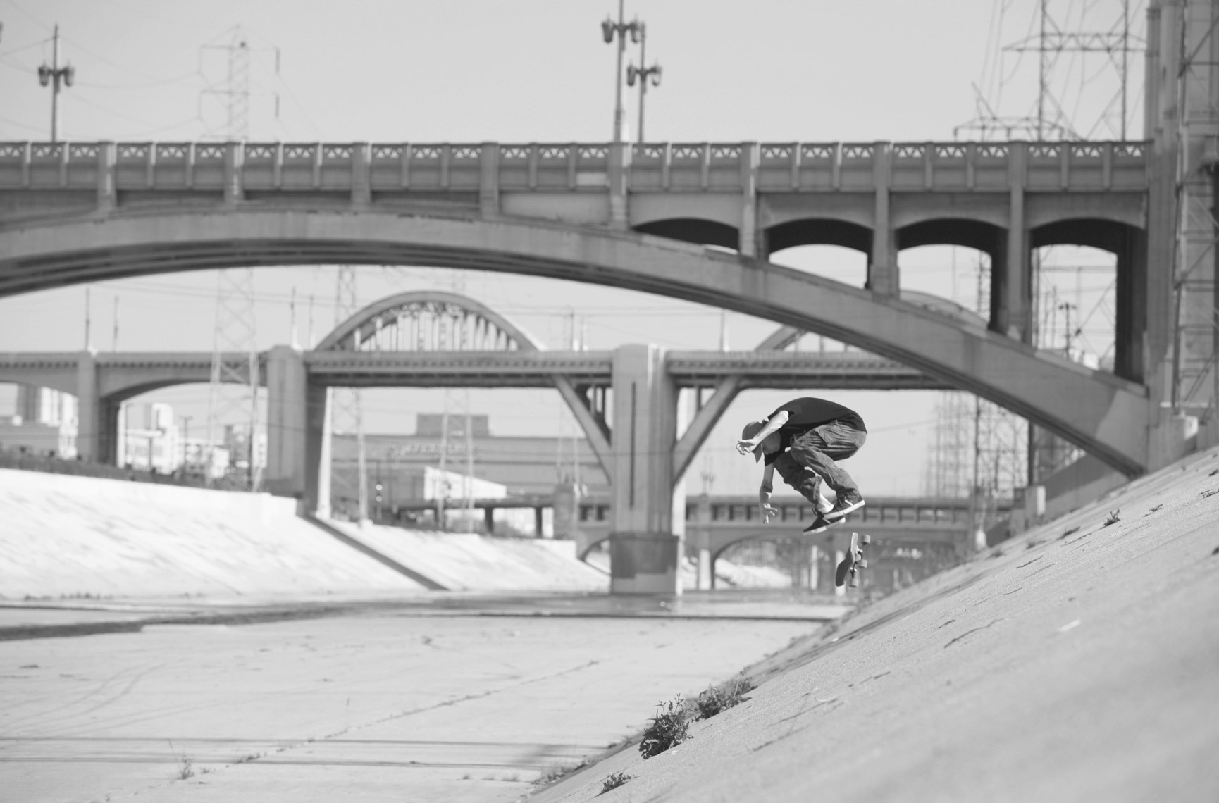 JohnMethvin_LARiverKickflip_BW_Action