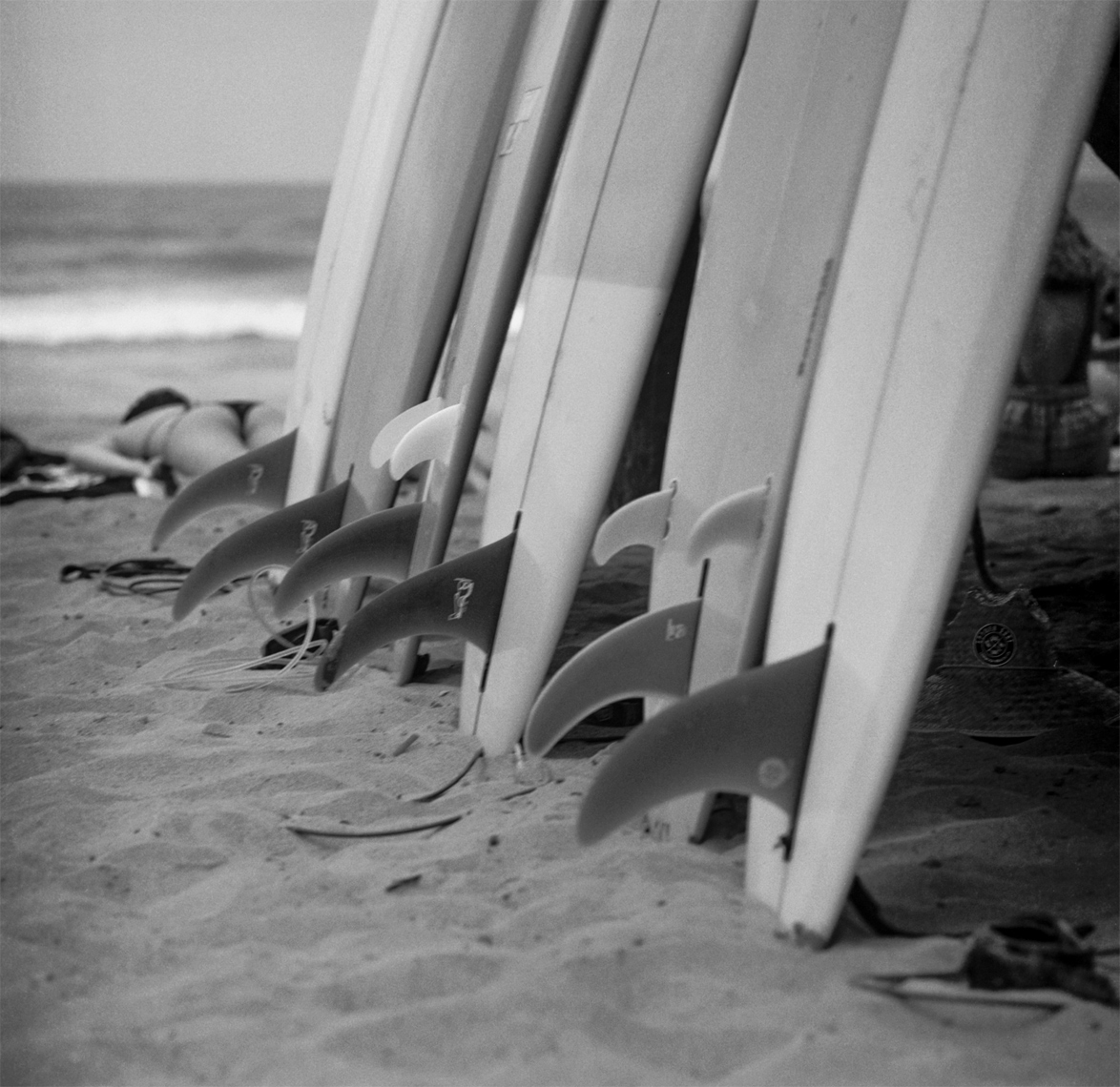 SanO_BoardsOnTheHut04_Fins_Lifestyle_Retouched_Web